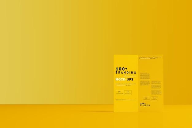 Primo piano sulla confezione di bi fold dl brochure mockup Psd Premium
