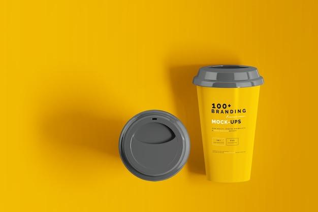 Primo piano sulla confezione della tazza di caffè mockup Psd Premium