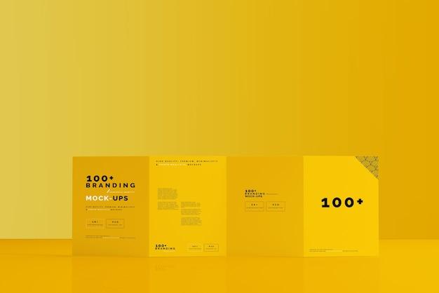 Primo piano sulla confezione di quattro pieghe brochure mockup Psd Premium