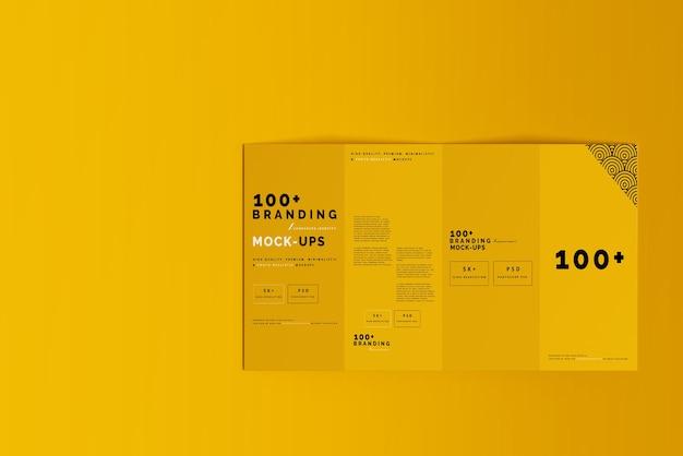 Primo piano sulla confezione di modelli di brochure a quattro pieghe dl Psd Premium