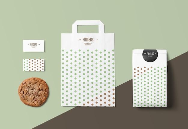 Primo piano sul sacchetto di carta mockup isolato Psd Premium