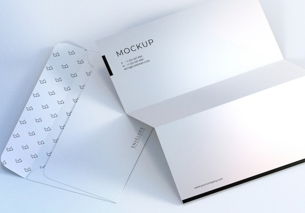 Primo piano monarch busta e carta intestata mockup design Psd Premium