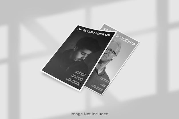 Mockup di brochure flyer galleggiante con ombra Psd Premium