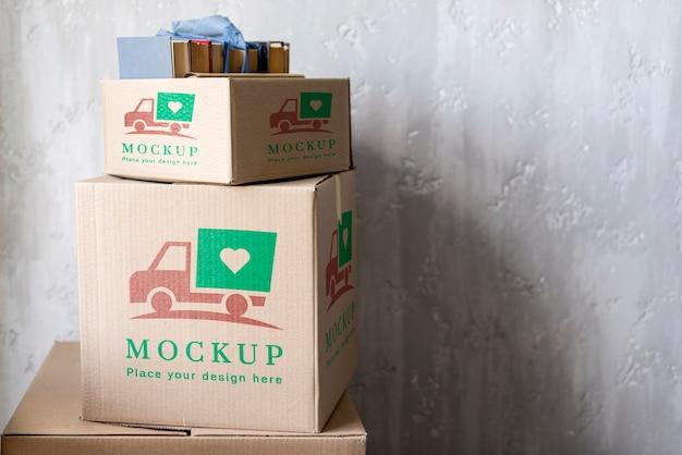 Le scatole di mock-up di vista frontale copiano lo spazio Psd Premium