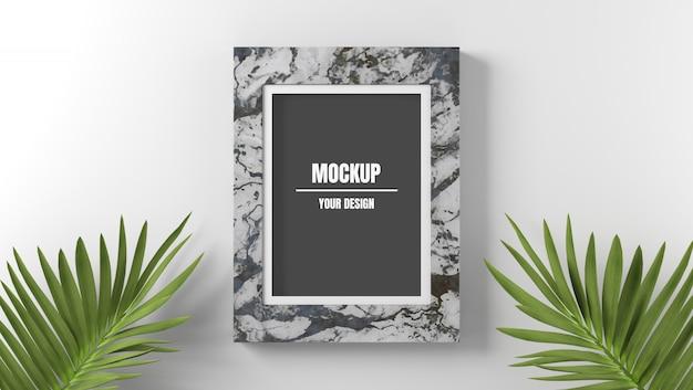 Mockup di cornice in marmo con foglie di palma in sfondo bianco Psd Premium