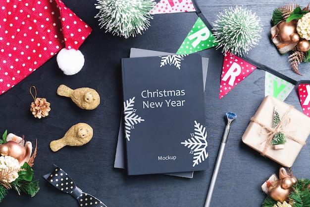 Mockup per la copertina del libro per natale e capodanno Psd Premium