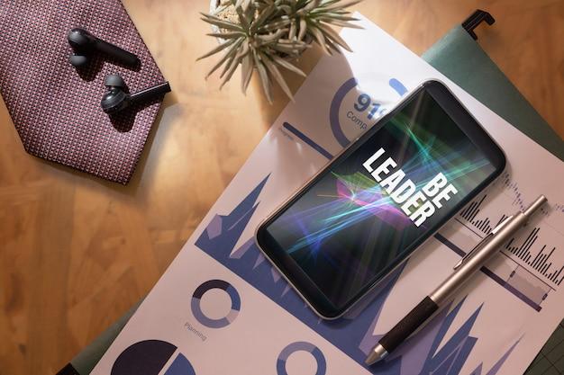 Telefono cellulare mockup per la tua citazione ispiratrice della tua attività. Psd Premium
