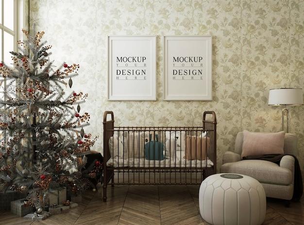 Mockup poster frame in nursery room con albero di natale e decorazioni Psd Premium