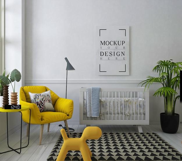 Cornice per poster mockup nella stanza della scuola materna bianca con poltrona Psd Premium