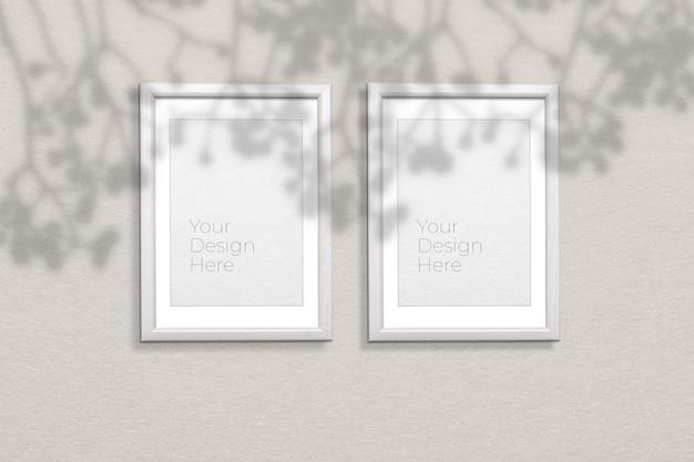 Mockup di cornice per foto su grigio con sovrapposizione di ombre Psd Premium