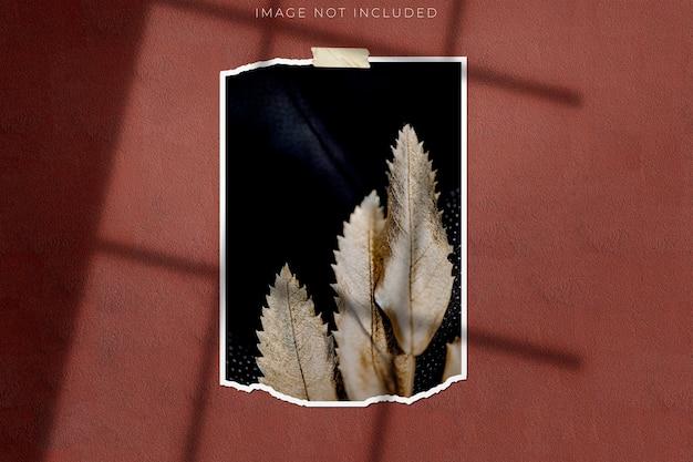Photo frame mockup per fotografie con sovrapposizione di ombre Psd Premium