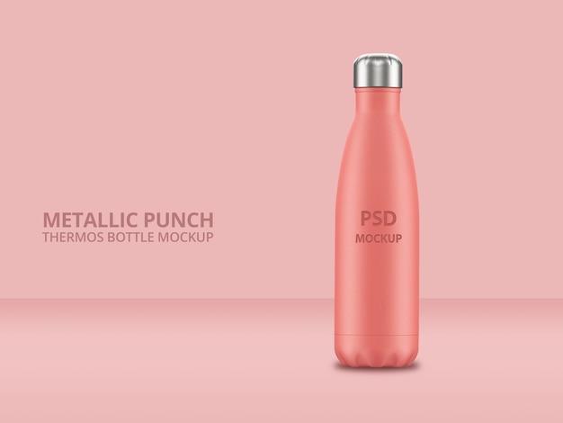 Bottiglia d'acqua riutilizzabile in metallo rosa con mockup effetto punch Psd Premium
