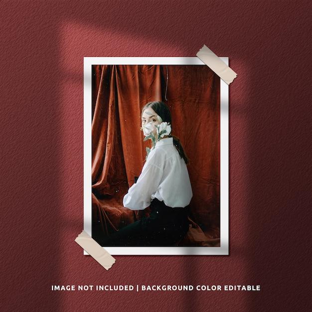 Mockup di foto con cornice di carta ritratto realistico Psd Premium