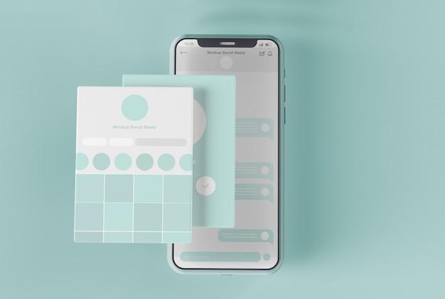 Smartphone con mockup dello schermo dei social media Psd Premium