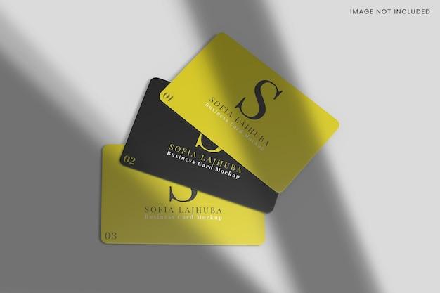 Progettazione di mockup di tre bussiness card isolato Psd Premium