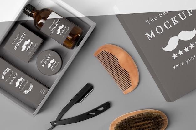 Vista dall'alto di articoli da barbiere con pettine Psd Premium