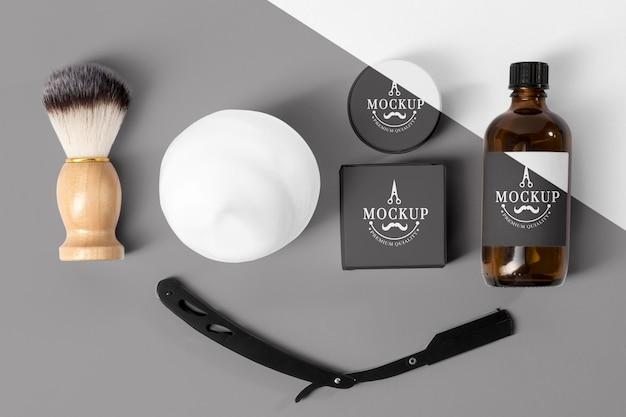 Vista dall'alto di articoli da barbiere con rasoio Psd Premium