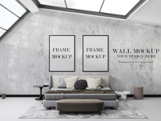 Design di due modelli di cornice e carta da parati in camera da letto con ampie finestre Psd Premium