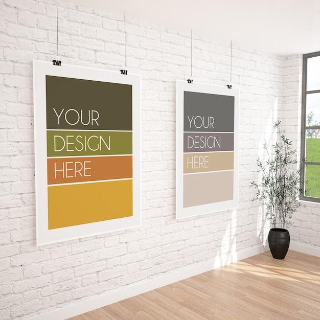 Due poster verticali appesi mockup nell'interiore della galleria moderna Psd Premium