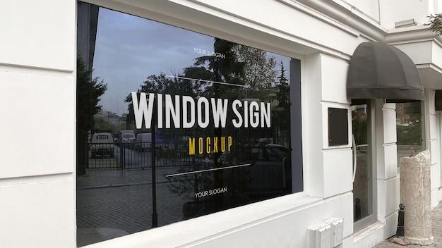 Mockup di segno di finestra in un ristorante moderno Psd Premium
