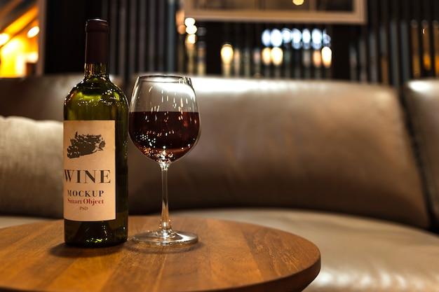Mockup logo bottiglia di vino Psd Premium
