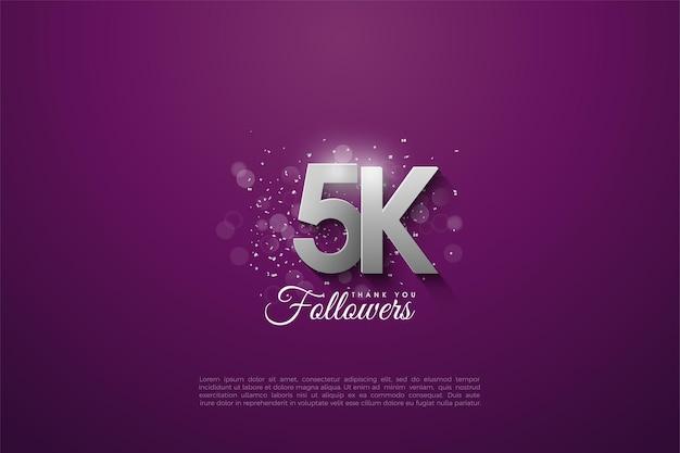 5k follower con numeri d'argento impilati su uno sfondo viola scuro. Vettore Premium