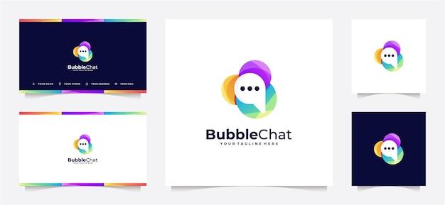 Gradiente e biglietto da visita del logo della chat della bolla astratta Vettore Premium