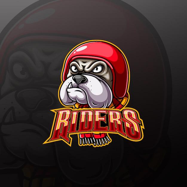 Logo della mascotte del motociclista animale con testa di bulldog aggressivo Vettore Premium