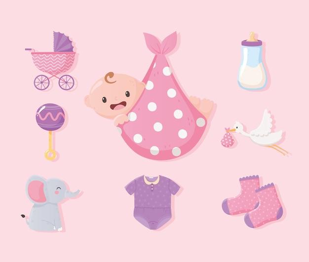 Baby shower, bambino in coperta, vestiti bottiglia latte elefante e icone sonaglio Vettore Premium