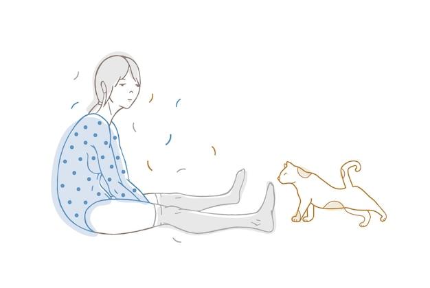 Bella ragazza vestita di body punteggiato e calze e gatto disegnato a mano con linee di contorno su bianco Vettore Premium