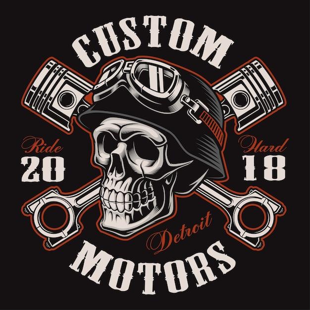 Cranio di motociclista con pistoni incrociati. grafica della camicia. tutti gli elementi, i colori, il testo (curvo) si trovano sul livello separato. (versione a colori) Vettore Premium