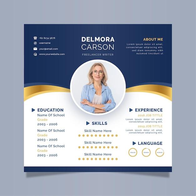 Modello di cv online aziendale Vettore Premium