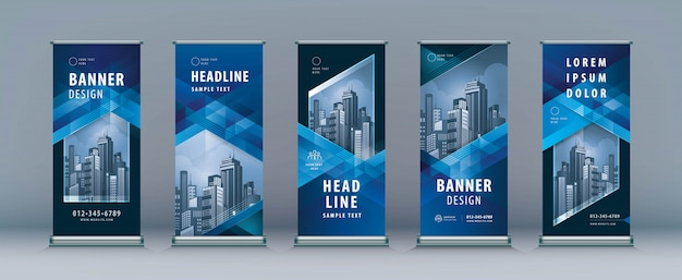 Set di roll up aziendali. standee design. modello di banner, disegno astratto triangolo geometrico blu Vettore Premium