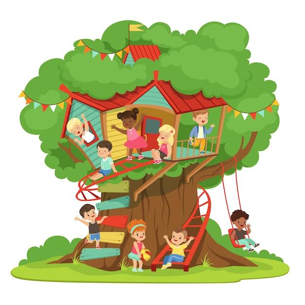 Bambini che giocano e si divertono nella casa sull'albero, parco giochi per bambini con altalena e scaletta illustrazione dettagliata colorata su sfondo bianco Vettore Premium