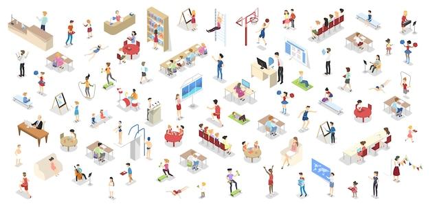 I bambini studiano nel set della scuola. persone in biblioteca, palestra, aula e lezioni di disegno. bambini che studiano in classe. illustrazione vettoriale isometrica isolata Vettore Premium