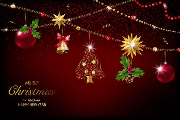 Cartolina di natale con una composizione di elementi festivi come stella d'oro, bacche, decorazioni per l'albero di natale, rami di pino. buon natale e felice anno nuovo. decorazione glitterata, oro Vettore Premium