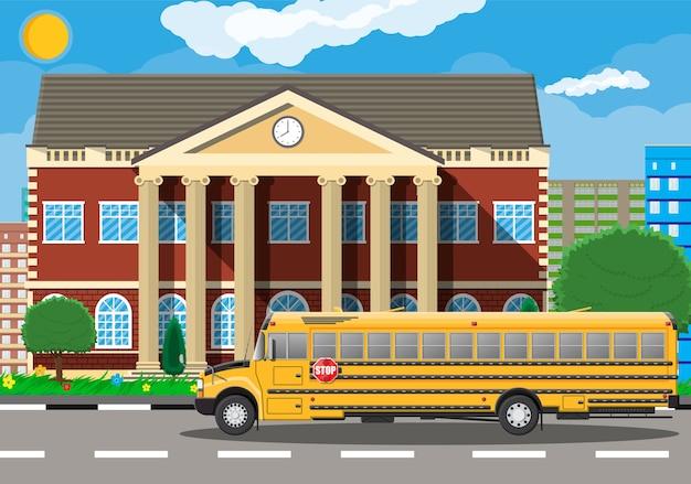 Edificio scolastico classico e paesaggio urbano. Vettore Premium