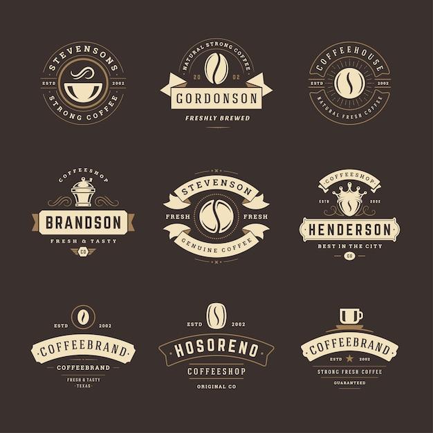 I modelli di progettazione dei loghi della caffetteria hanno impostato l'illustrazione per il design del distintivo del caffè e la decorazione del menu Vettore Premium