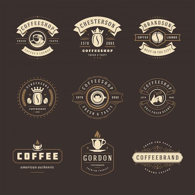 Modelli di loghi di caffetteria impostati per design e menu di badge per caffè Vettore Premium