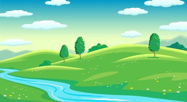I campi luminosi dell'estate variopinta con il fiume abbelliscono, l'erba verde e gli alberi, cielo nuvoloso dell'alba Vettore Premium