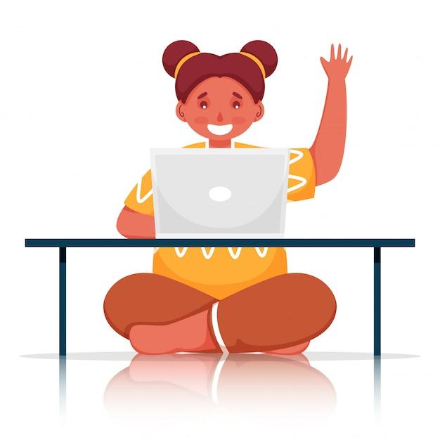 Ragazza carina utilizzando il computer portatile al tavolo con gesto ciao su sfondo bianco. Vettore Premium