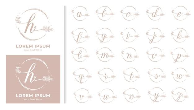 Monogramma di lusso decorativo alfabeto impostato con cornici floreali Vettore Premium