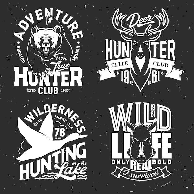 T-shirt stampa cervo, anatra, orso e cinghiale del club sportivo di caccia. caccia di animali e uccelli di grizzly selvatici, renne o alci, distintivi grunge di alci e maiali, abbigliamento personalizzato da cacciatore con trofei Vettore Premium