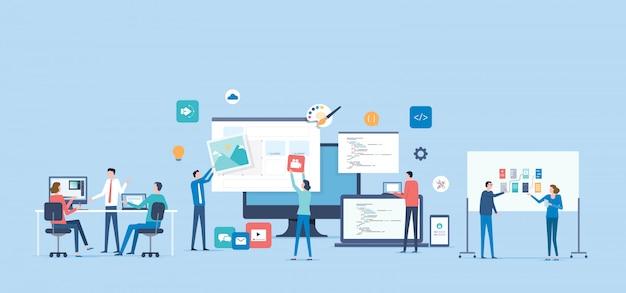 Concetto di collaborazione di lavoro del team di progettazione e sviluppo Vettore Premium