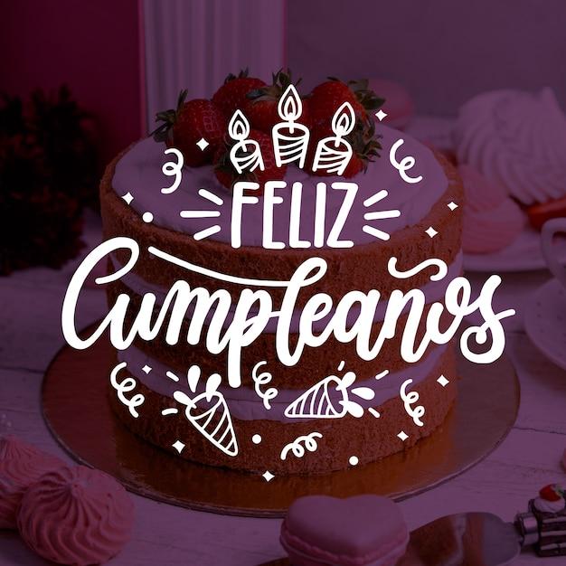 Feliz cumpleaños lettering Vettore Premium