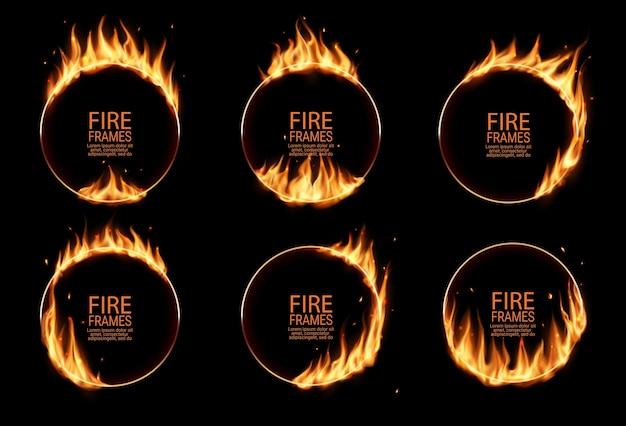 Anelli di fuoco, cornici rotonde in fiamme. cerchi bruciati o buchi nel fuoco, cerchi di bruciature realistici con lingue di fiamma sui bordi. cerchi bagliori per spettacoli circensi, bordi circolari impostati Vettore Premium