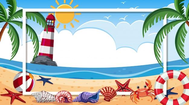 Modello di cornice con conchiglie e granchio sulla spiaggia Vettore Premium