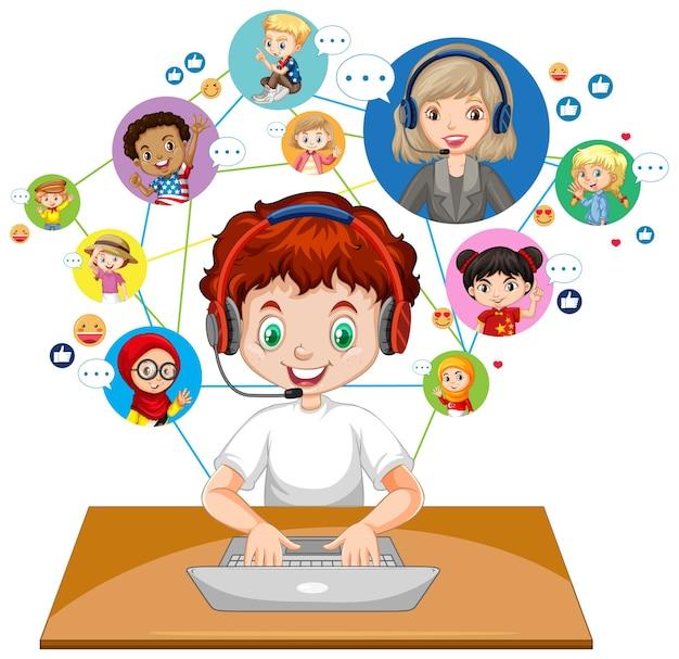Vista frontale di un ragazzo che utilizza computer portatile per comunicare la videoconferenza con insegnante e amici su sfondo bianco Vettore Premium