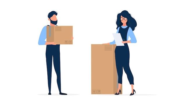 La ragazza in tuta da costruzione tiene in mano un foglio di carta. il caricatore contiene una scatola di cartone. isolato. . Vettore Premium
