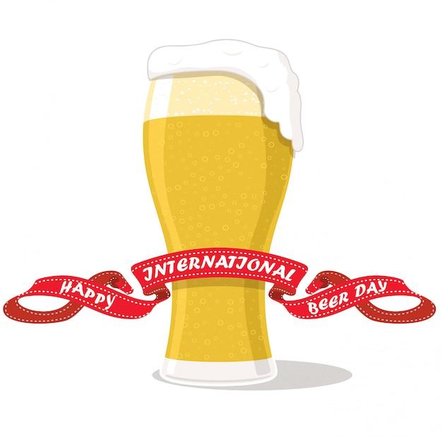 Bicchiere di birra isolato su bianco Vettore Premium